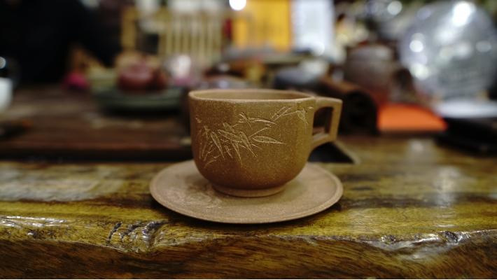 С чем полезней пить чай?